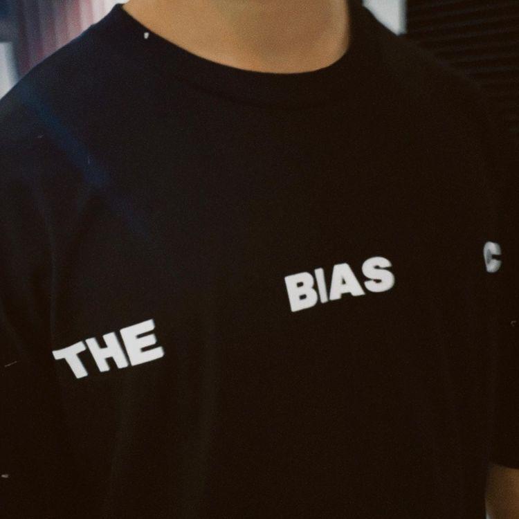 BIAS SOCIAL DISTANCING TEE BLACK